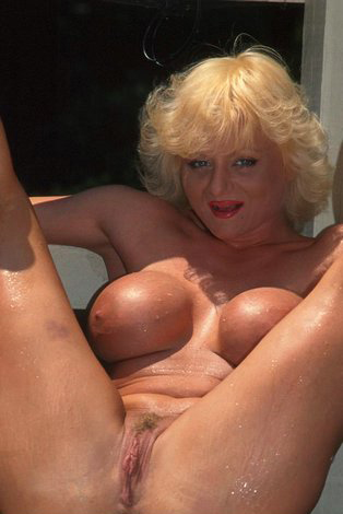 Mature women and grannies. Gallery - 288. Photo - 3