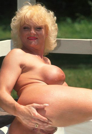 Mature women and grannies. Gallery - 288. Photo - 7