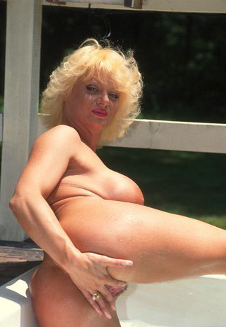 Mature women and grannies. Gallery - 288. Photo - 8
