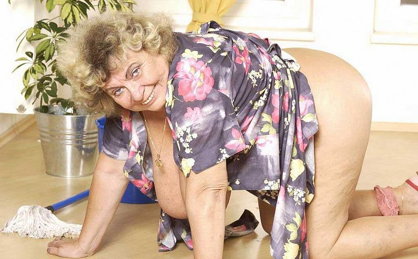 Mature women and grannies. Gallery - 289. Photo - 8