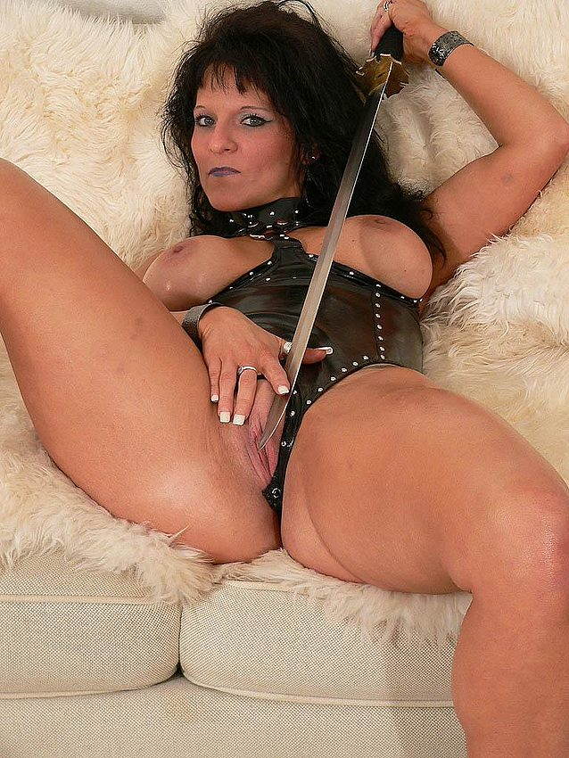 Mature women and grannies. Gallery - 291. Photo - 11