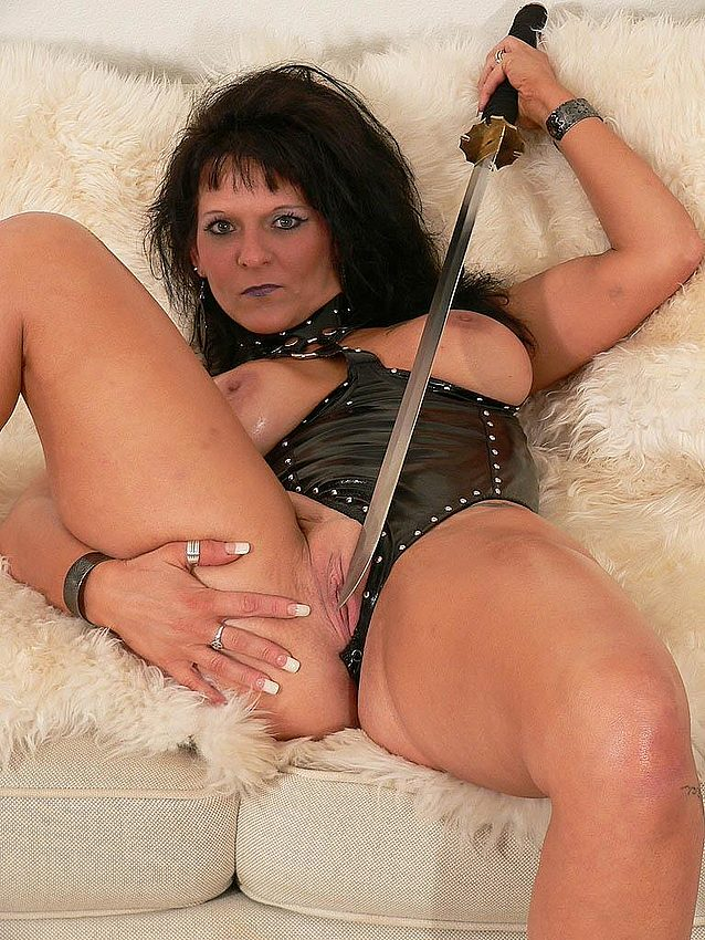 Mature women and grannies. Gallery - 291. Photo - 12
