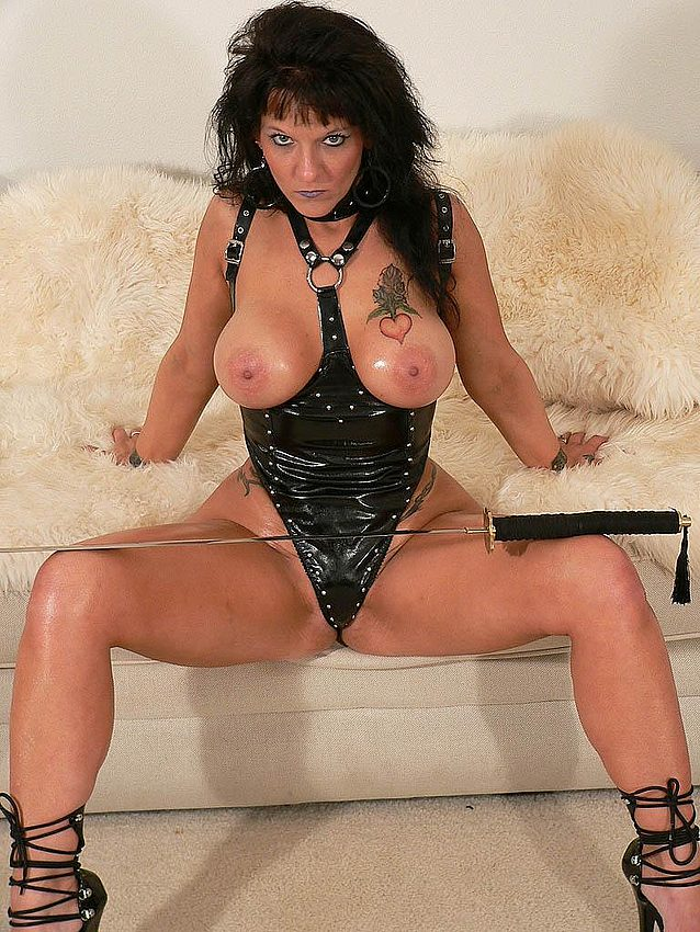 Mature women and grannies. Gallery - 291. Photo - 13