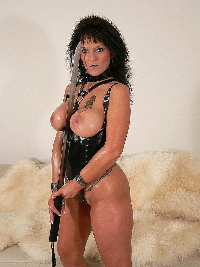 Mature women and grannies. Gallery - 291. Photo - 2