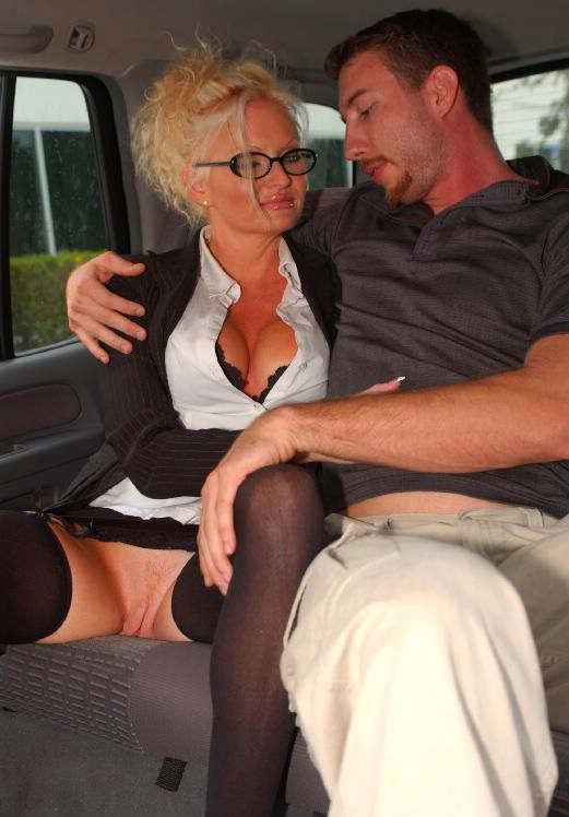 Mature women and grannies. Gallery - 292. Photo - 3