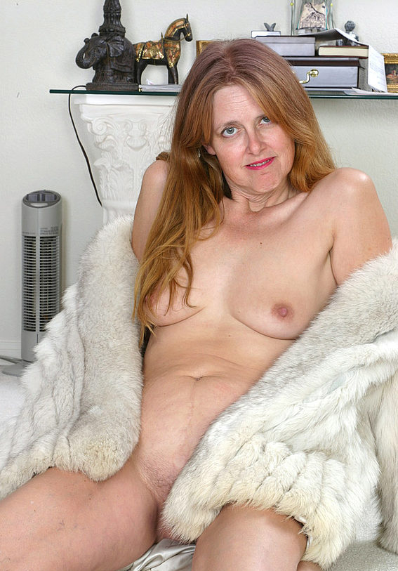 Mature women and grannies. Gallery - 294. Photo - 15