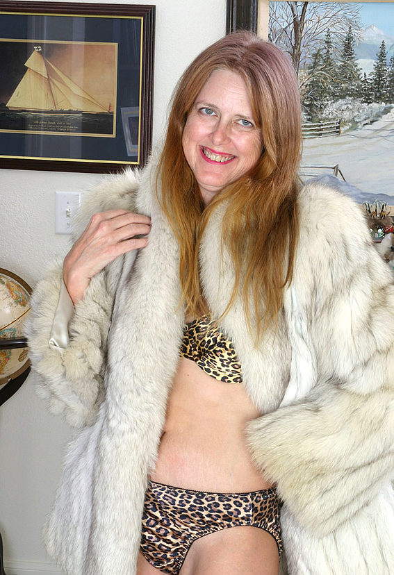 Mature women and grannies. Gallery - 294. Photo - 2