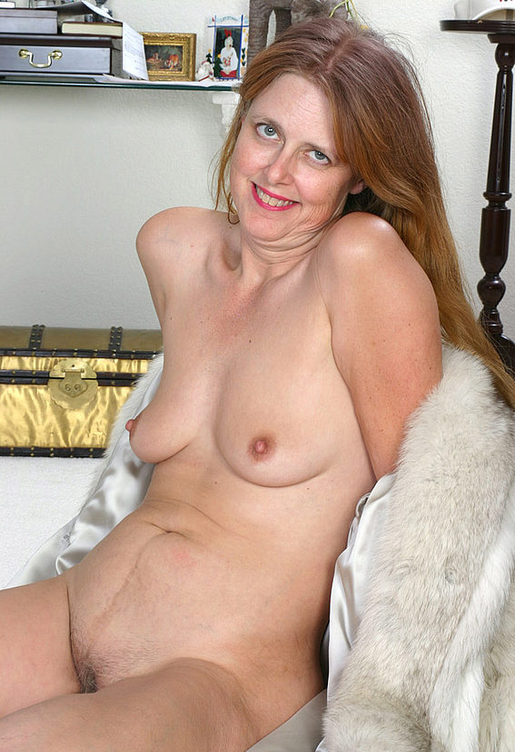 Mature women and grannies. Gallery - 294. Photo - 6