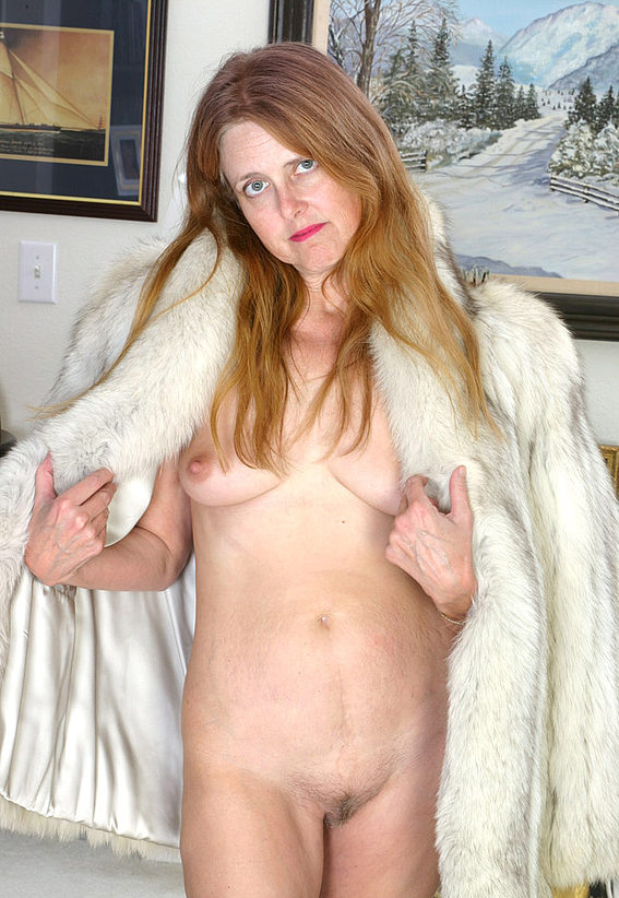Mature women and grannies. Gallery - 294. Photo - 9