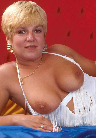 Mature women and grannies. Gallery - 295. Photo - 1