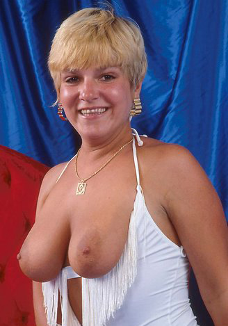 Mature women and grannies. Gallery - 295. Photo - 11
