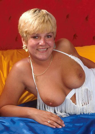 Mature women and grannies. Gallery - 295. Photo - 3