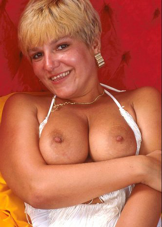 Mature women and grannies. Gallery - 295. Photo - 4