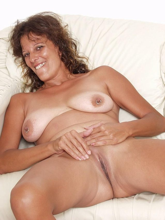 Mature women and grannies. Gallery - 298. Photo - 15