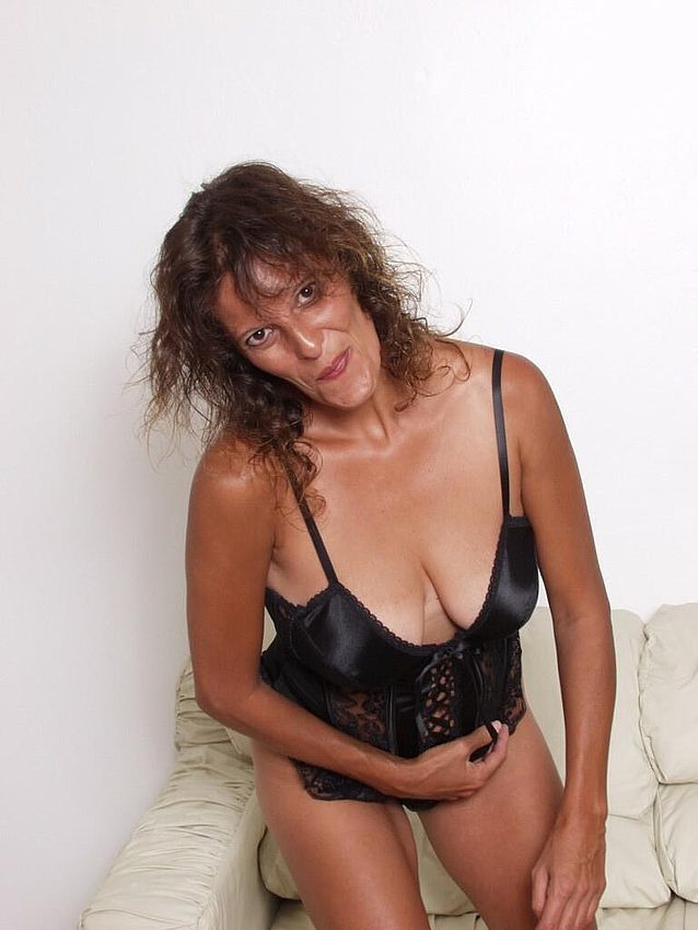 Mature women and grannies. Gallery - 298. Photo - 2