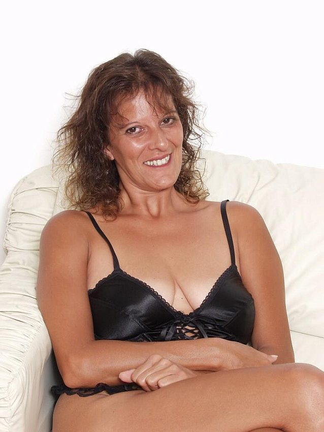 Mature women and grannies. Gallery - 298. Photo - 3