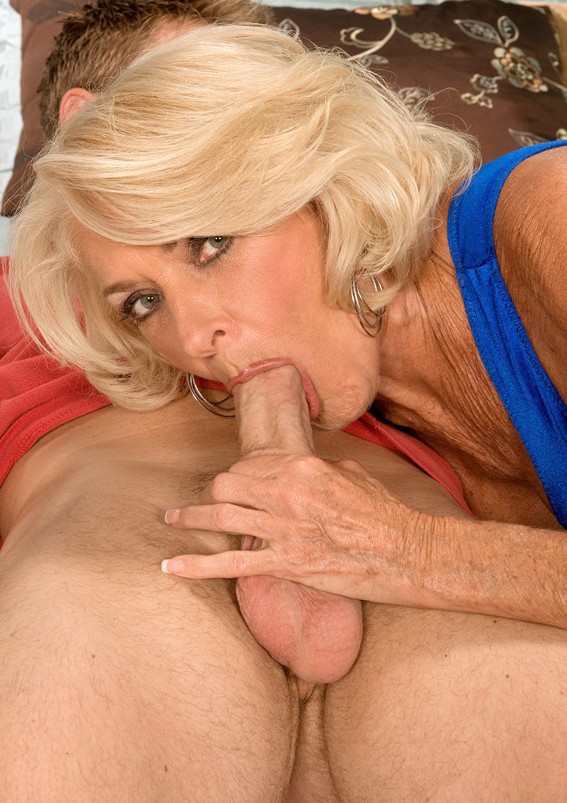 Cock hungry mature wife in sexy stocking bl