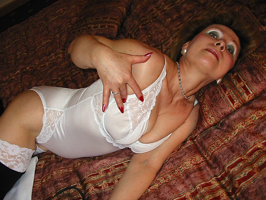 Mature women and grannies. Gallery - 301. Photo - 5