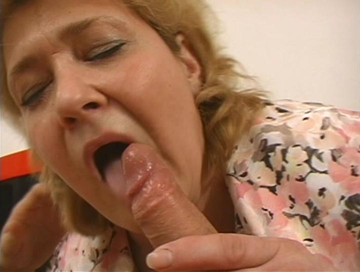 Mature women and grannies. Gallery - 302. Photo - 3