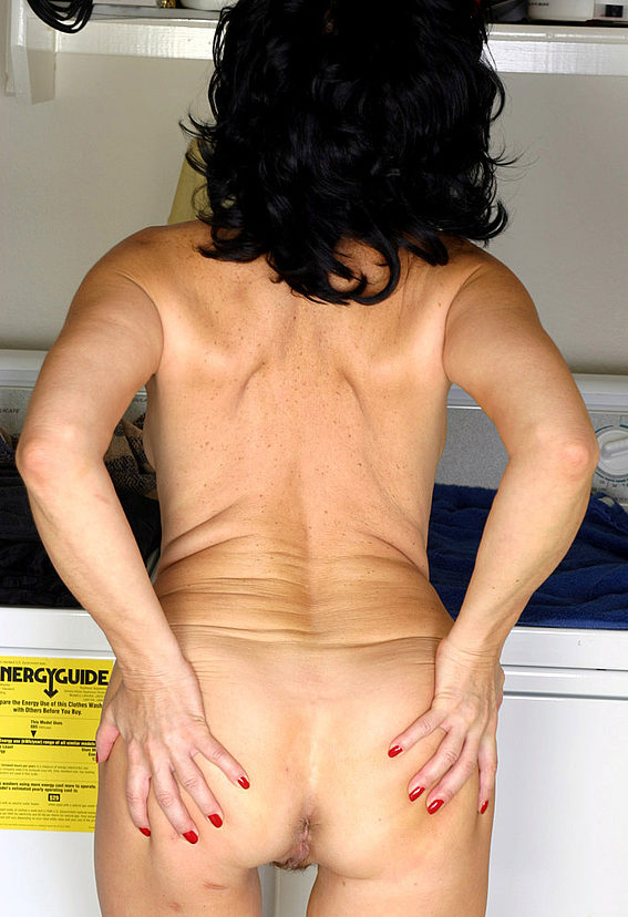 Mature women and grannies. Gallery - 305. Photo - 14