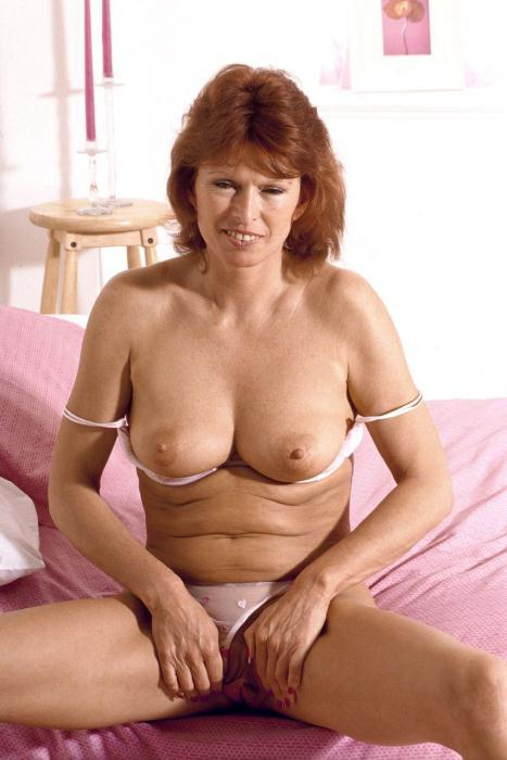 Mature women and grannies. Gallery - 306. Photo - 1