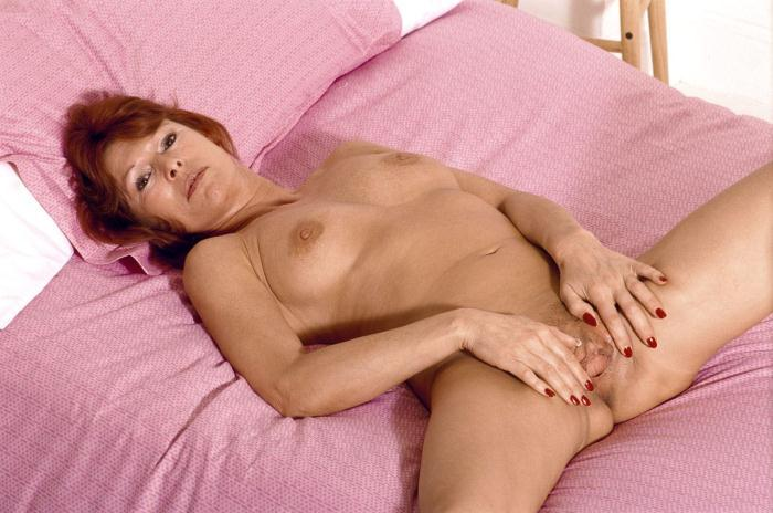 Mature women and grannies. Gallery - 306. Photo - 12