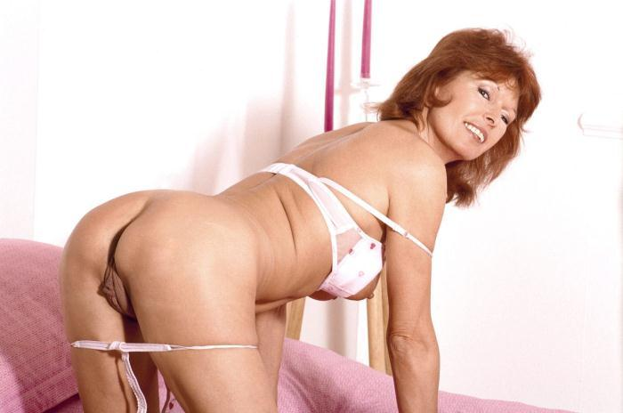 Mature women and grannies. Gallery - 306. Photo - 2