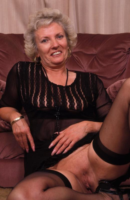 Mature women and grannies. Gallery - 307. Photo - 4