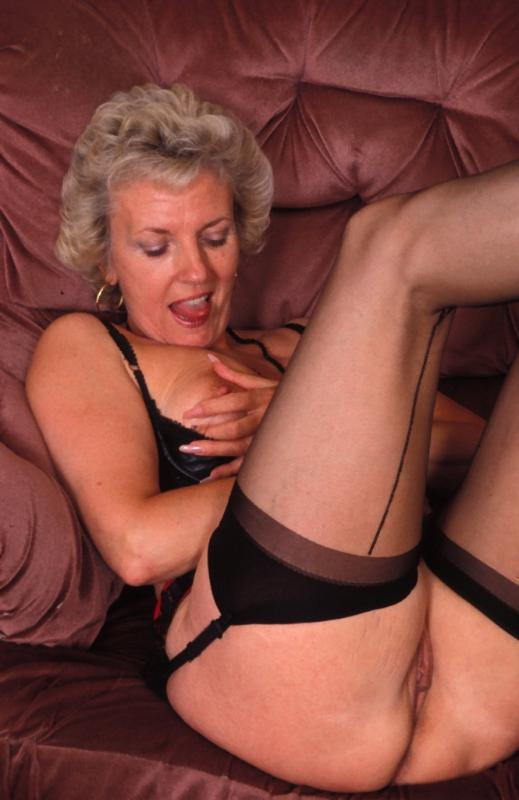Mature women and grannies. Gallery - 307. Photo - 5