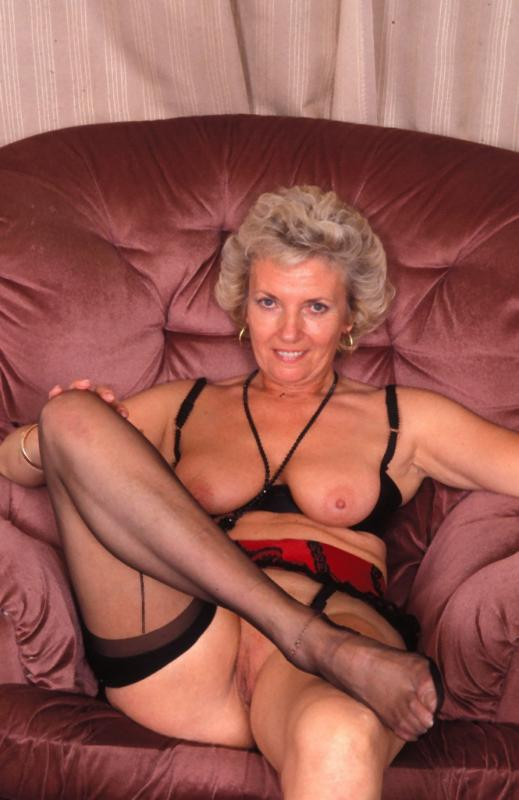 Mature women and grannies. Gallery - 307. Photo - 7