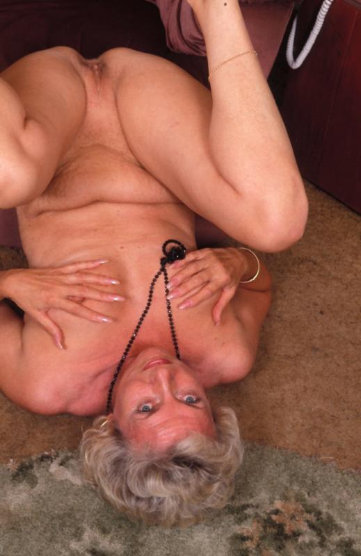 Mature women and grannies. Gallery - 307. Photo - 8