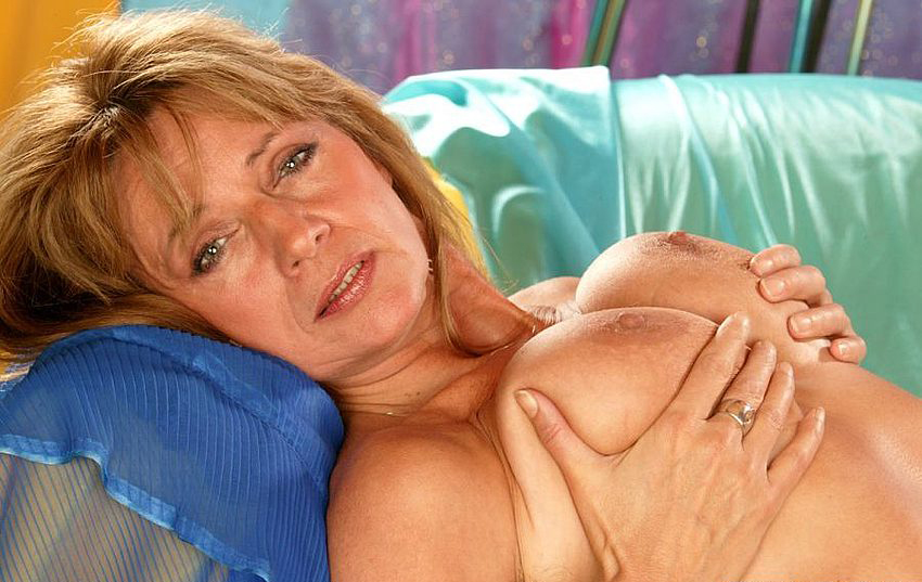 Mature women and grannies. Gallery - 308. Photo - 11