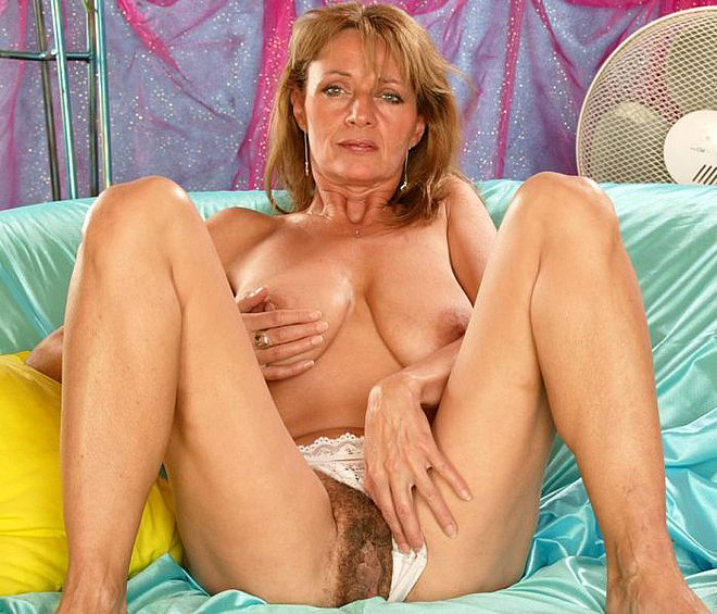 Mature women and grannies. Gallery - 308. Photo - 12