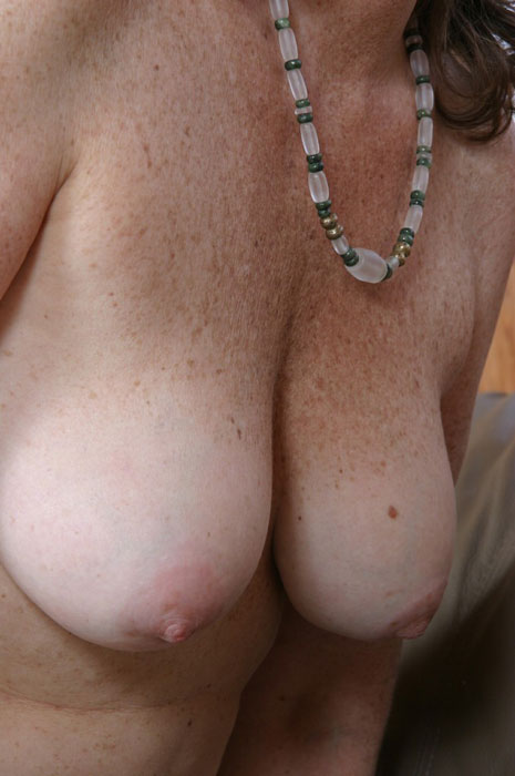 Mature women and grannies. Gallery - 310. Photo - 14