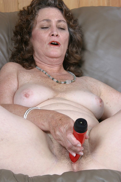 Mature women and grannies. Gallery - 310. Photo - 6