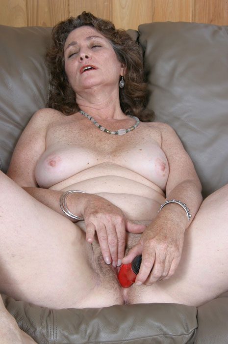Mature women and grannies. Gallery - 310. Photo - 7