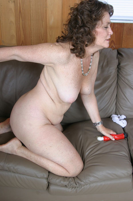 Mature women and grannies. Gallery - 310. Photo - 8