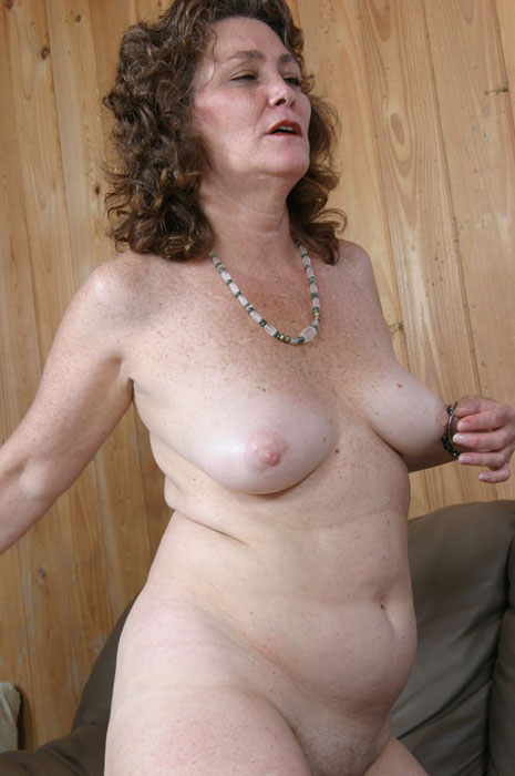 Mature women and grannies. Gallery - 310. Photo - 9