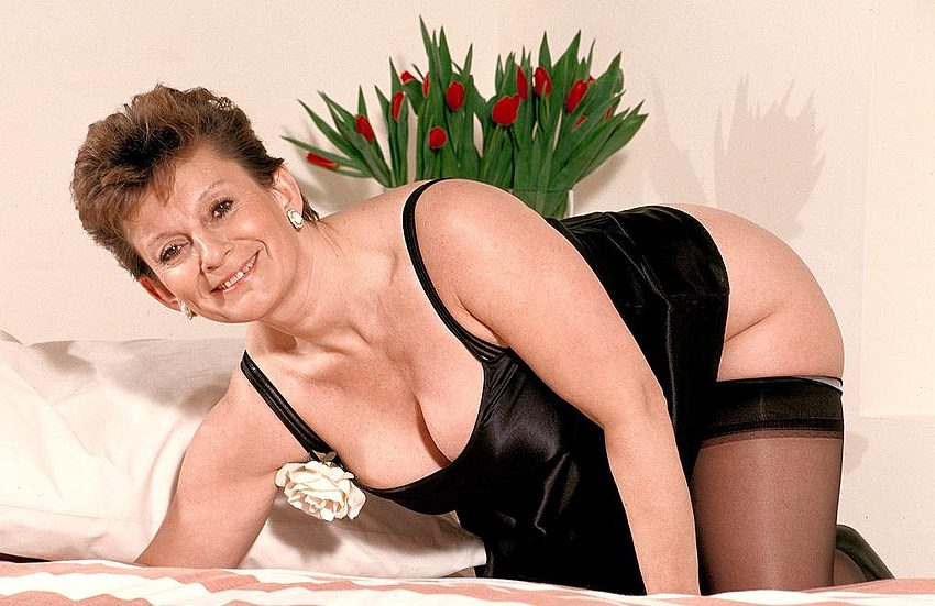 Mature women and grannies. Gallery - 312. Photo - 4