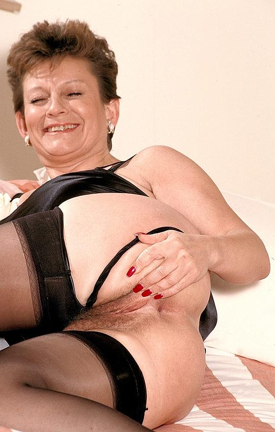 Mature women and grannies. Gallery - 312. Photo - 5