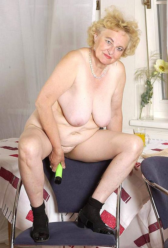 Mature women and grannies. Gallery - 316. Photo - 13