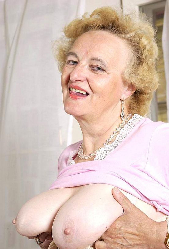 Mature women and grannies. Gallery - 316. Photo - 4