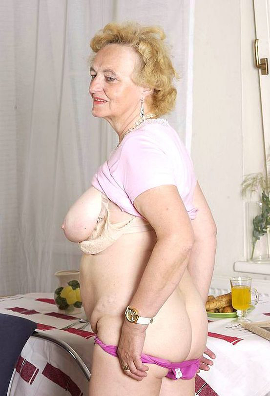 Mature women and grannies. Gallery - 316. Photo - 5