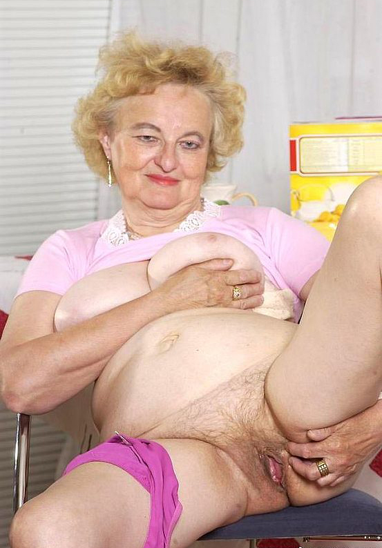 Mature women and grannies. Gallery - 316. Photo - 7