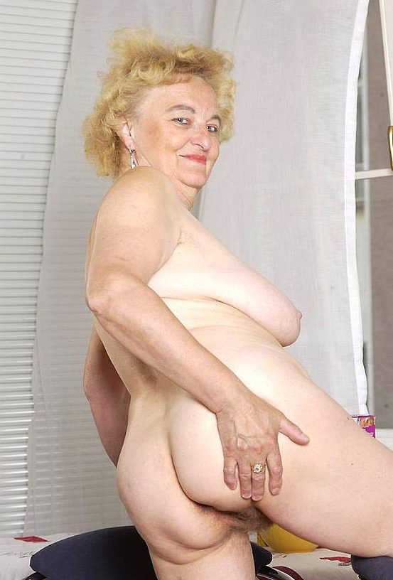Mature women and grannies. Gallery - 316. Photo - 9