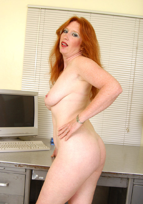 Mature women and grannies. Gallery - 317. Photo - 15