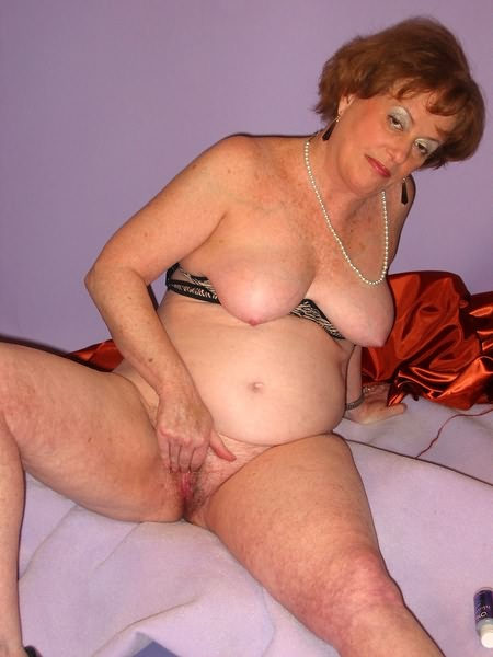 Mature women and grannies. Gallery - 319. Photo - 10