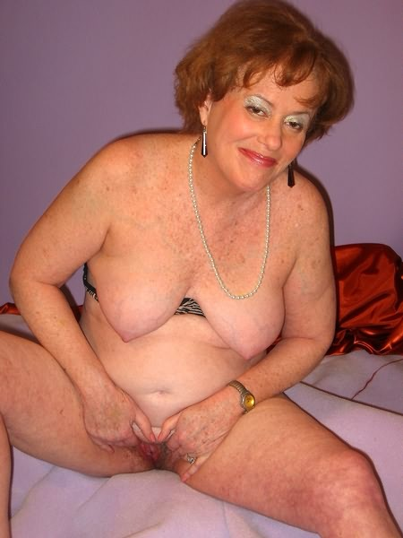 Mature women and grannies. Gallery - 319. Photo - 11
