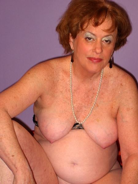 Mature women and grannies. Gallery - 319. Photo - 4