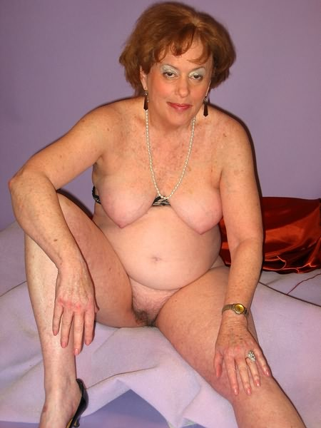 Mature women and grannies. Gallery - 319. Photo - 6